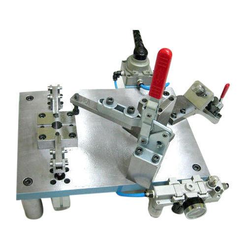 การออกแบบอุปกรณ์นำเจาะและจับงาน / ่๋JIG AND FIXTURE DESIGN